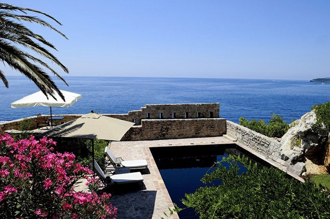 Glamurama mostra as 25 piscinas mais luxuosas do mundo for Piscina enjoy
