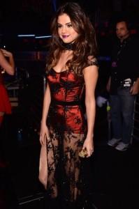 Fã apaixonado invade casa de Selena Gomez em los Angeles