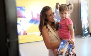 """Pais e filhos na divertida pré-estreia de """"Uma Aventura Lego"""""""