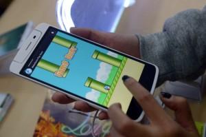 Smartphones com o app Flappy Bird chegam a custar US$ 90 mil