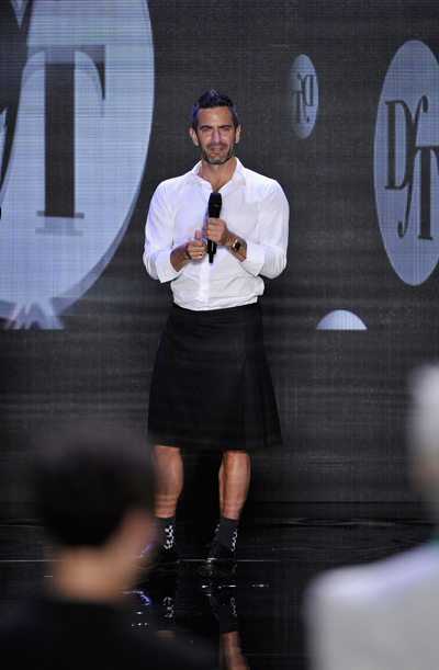 Como já contamos, depois de 16 anos como diretor criativo da Louis Vuitton, Marc  Jacobs decidiu ... 01adfa48f0