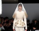 """Schiaparelli vai vender coleção """"prêt-à-couture"""" com horário marcado"""