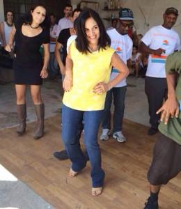 Lu Alckmin dança hip-hop na periferia de São Paulo. Se joga!