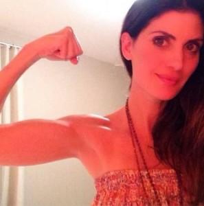 Isabella Fiorentino mostra resultados dos exercícios na web. Vem!