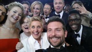 A selfie do ano! Celebs reunidas para clique inesquecível no red carpet
