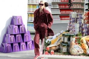 O supermercado da Chanel em Paris, mais um golpe de mestre de Lagerfeld