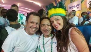 Vik Muniz e Malu Barretto fazem seu debut no Carnaval da Bahia