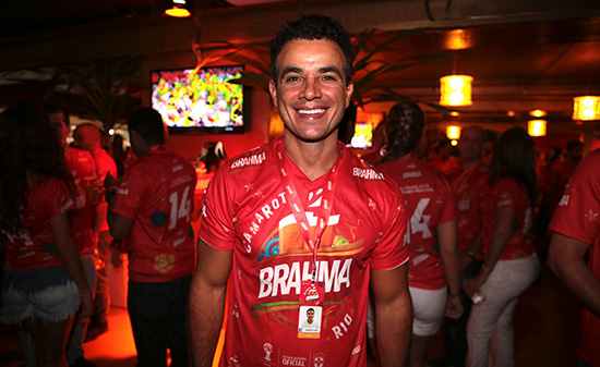 De São Paulo a Salvador, Anderson di Rizzi faz maratona de Carnaval