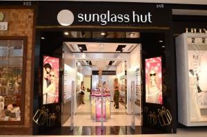 Sunglass Hut do JK Iguatemi arma happy hour para convidados da Permita-se
