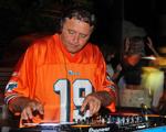 Dj Marlboro encerra folia do Cafe de la Musique Floripa com muito funk