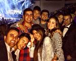 Com amigos a tiracolo, Neymar curte show de Beyoncé em Barcelona