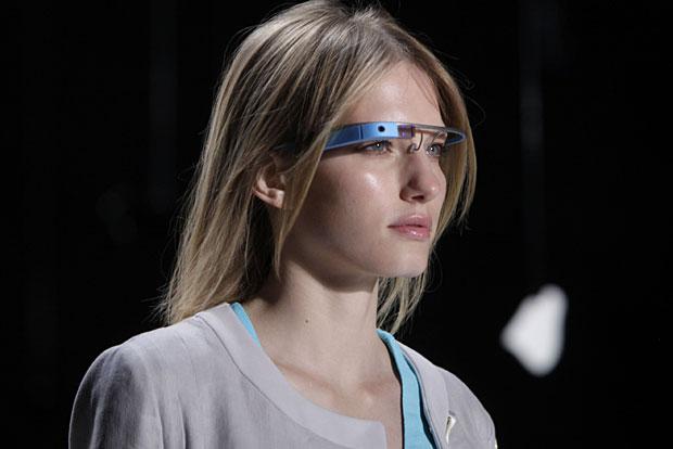 a8cea87d9 Ray-Ban fecha acordo para lançar modelos com tecnologia Google Glass ...
