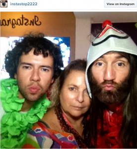 Instagram faz a festa com famosos no Expresso 2222. Aos cliques