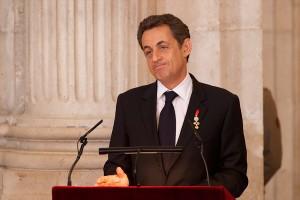 Sarkozy usa pseudônimo para comprar segunda linha telefônica