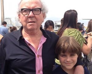 Theo, filho de nove anos de Washington Olivetto, participa de causa social