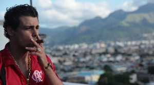 """Só aqui! Elenco e diretor de """"Alemão"""" opinam sobre a descriminalização das drogas"""