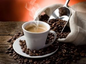 Nova receita de café gera polêmica. Emagrece ou engorda, afinal?