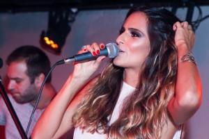 Marcella Fogaça comanda noite no Rio e recebe convidados estrelados
