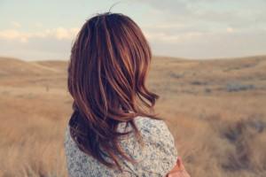 Como recuperar o cabelo pós-verão e acertar o tom do outono? Vem ver