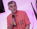 João Braga leva alta-costura à Casa Glamurama durante o Lado B