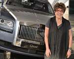 Glamurama mostra o Rolls-Royce instalado dentro da SP-Arte. Acelera!