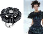 Tania Derani entrega detalhes do desfile couture da Chanel em julho