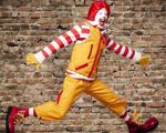 Concorrência faz McDonald's mudar a imagem de seu garoto propaganda. Aos detalhes