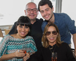 Família Ventura arma petit comité no restaurante Soho, em Salvador
