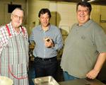 Barítono italiano e John Neschling trocam o palco pela cozinha