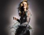 Kate Moss solta teaser de sua nova coleção para a Topshop. Chega mais