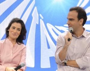 Renata Vasconcellos, Tadeu Schmidt e crime de furto de conteúdo. Vem!