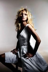 Divulgada a campanha da coleção de Kate Moss para a Topshop