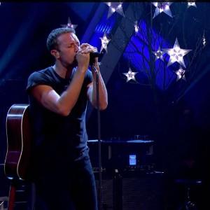 Coldplay, Black Keys e Damon Albarn apresentam juntos seus novos singles