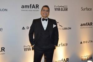 Felipe Diniz comemora: lugares para o gala da amfAR estão esgotados