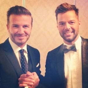 Ricky Martin tem dia de fã ao lado de astro do futebol. Nada bobo…