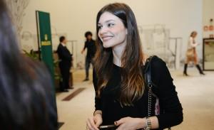 Rolex reinaugura loja com show da cantora Céu