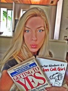 Com selfies, 5 glamurettes indicam livros para o feriado. Confira!