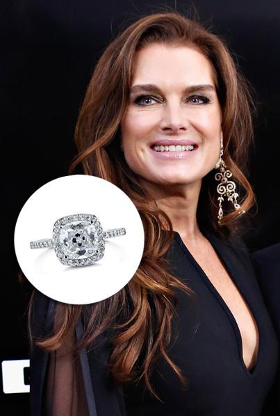 Brooke Shields – US$ 2,2 milhões. Dado pelo noivo Chris Henchy, o anel do ex-casal, que ficou junto por dez anos, foi confeccionado especialmente pela famosa joalheria Neil Lane em ouro antigo e platina