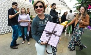 Astrid Fontenelle marca presença com Joy Paper no piquenique de Dia das Mães