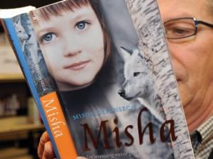 Best-seller sobre Holocausto era falso e gera multa milionária para autora