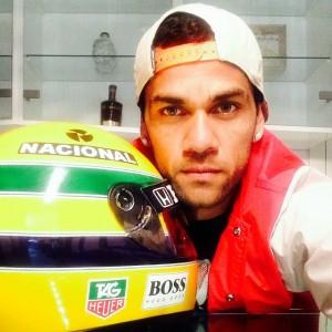 Amigos e famosos prestam homenagem a Ayrton Senna pelo Instagram