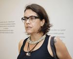 Artista Rosângela Rennó expõe na Galeria Vermelho no segundo semestre