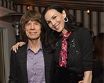 Mick Jagger canta música de Bob Dylan em missa para L'Wren Scott