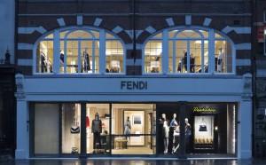 Fendi abre flagship com três andares e muita arte em Londres