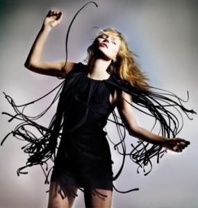 Camila Coutinho pinça as peças favoritas da coleção Kate Moss para Topshop