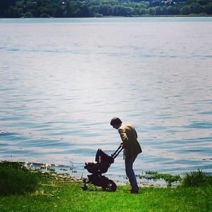 Olha só o fim de semana à beira do lago de Margherita Missoni
