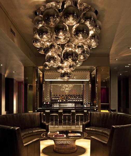 Nova York - Com projeto assinado pelo fotógrafo Matthew Rolston, o lobby do Lola Hotel, em Manhattan, é inspirado no glamour vintage de Hollywood