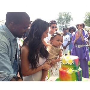 Aniversário de filha de Kim Kardashian foi inspirado em Coachella