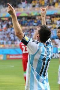 Messi completa 27 anos com discrição e pronto para brilhar no Brasil