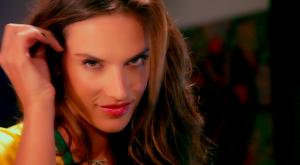 Alessandra Ambrósio é a musa de novo clipe de Pablo Morais. Ao making of!